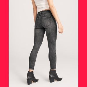 NEW IN BAG! Skinny ankle ABERCROMBIE jeans